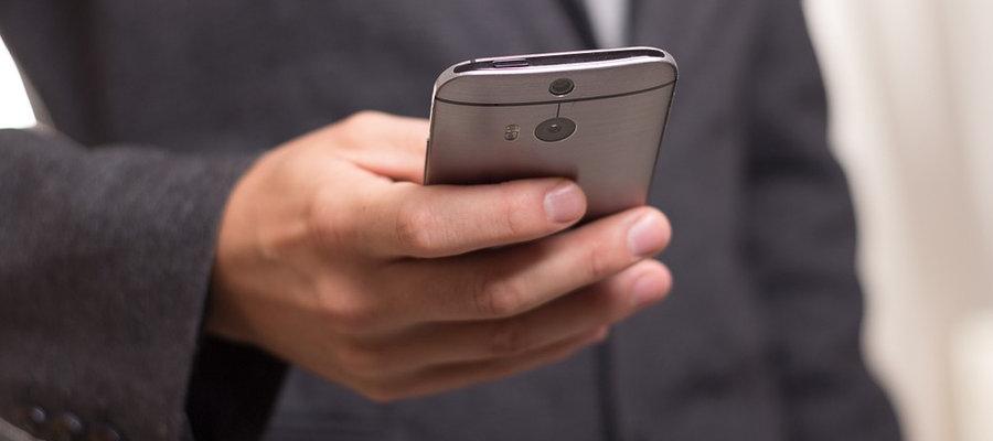 """Wie funktioniert die """"Stille SMS""""?"""